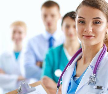 Diferencias entre cirujano plástico y médico estético