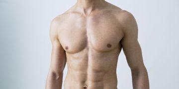 Causas, tratamientos y postoperatorio de la ginecomastia