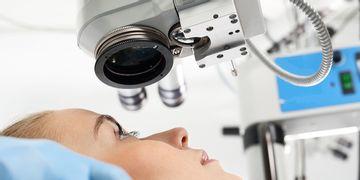 Microcirugía ocular, conoce todo sobre este procedimiento