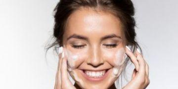 Cómo cuidar tu piel ahora que estás en casa