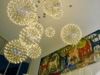 Interiores llenos de arte y comodidad