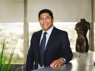 Dr. Jose Luis Salas - Director de Clínica de Cirugía Cosmética
