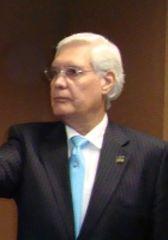 Dr.Enrique Álvarez Viaña