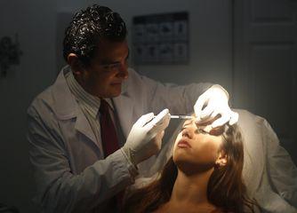 Dr. Víctor Genaro Sámano Guzmán