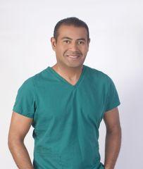 Dr. Alfredo Harris