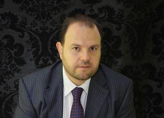 Dr. César A Cortés. Cirujano Plástico Estético y Reconstructivo Certificado