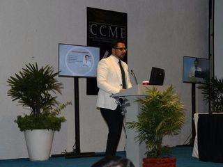 Dr. Sinué en su charla