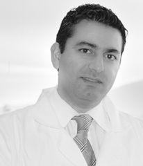 Dr. Roberto Segovia