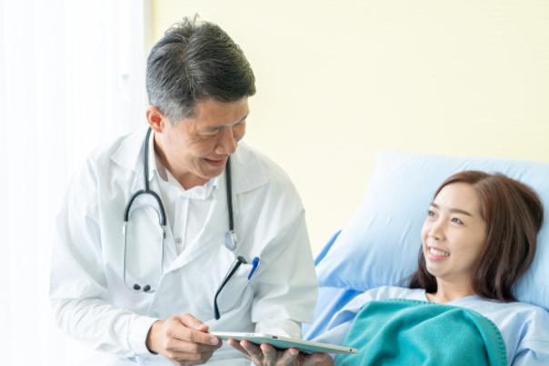 Paciente y cirujano