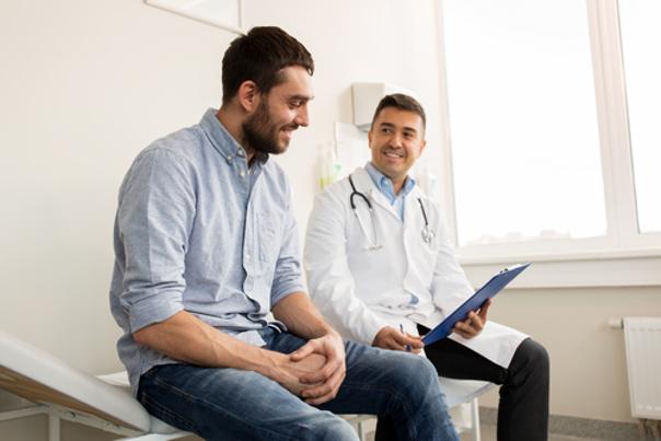 paciente y dermatologo